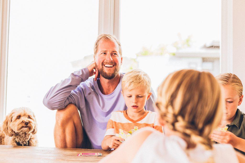 Družina, veselje, družinsko okolje, starševski stres