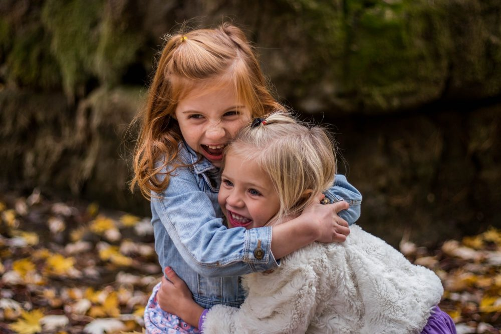 Socialne veščine pri otrocih – kaj so in zakaj so pomembne