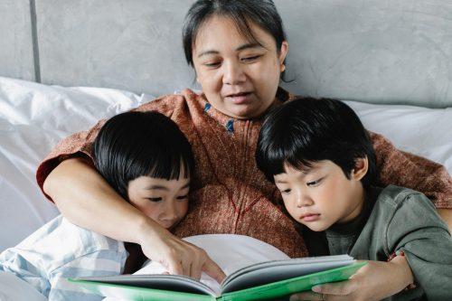 Spodbujanje branja, interaktivno branje, skupno branje, starši