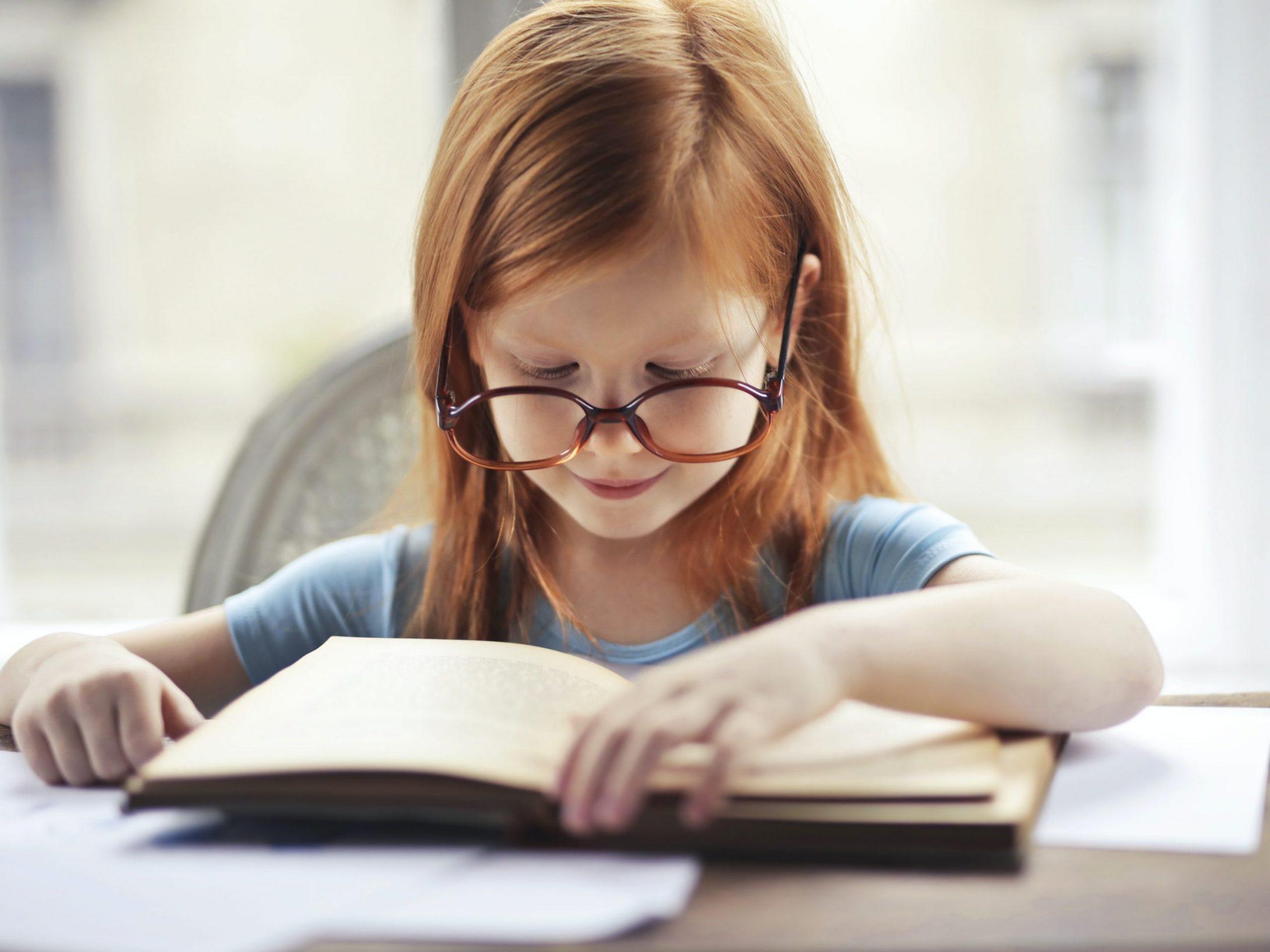 Branje – kaj sploh je in kako poteka razvoj branja
