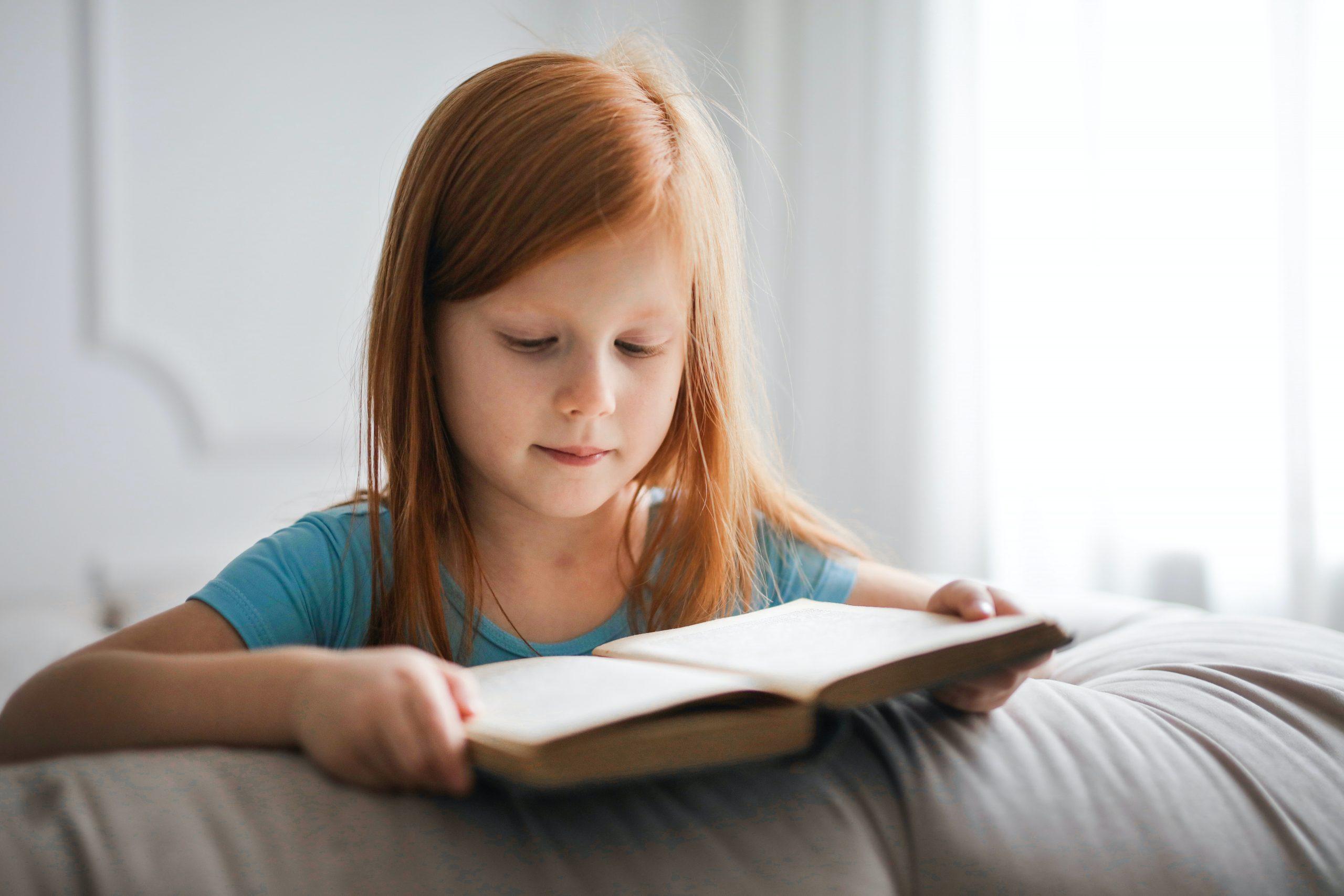 bralno razumevanje, razvojne stopnje, razvoj, dejavniki, izboljšanje bralnega razumevanja